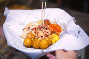Rice rolls, fishballs and siu mai in Hong Kong